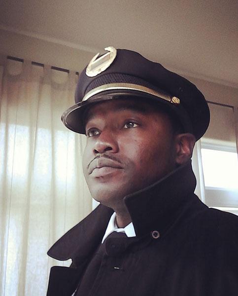 Troy-Jones --- SE-Asistente de dirección